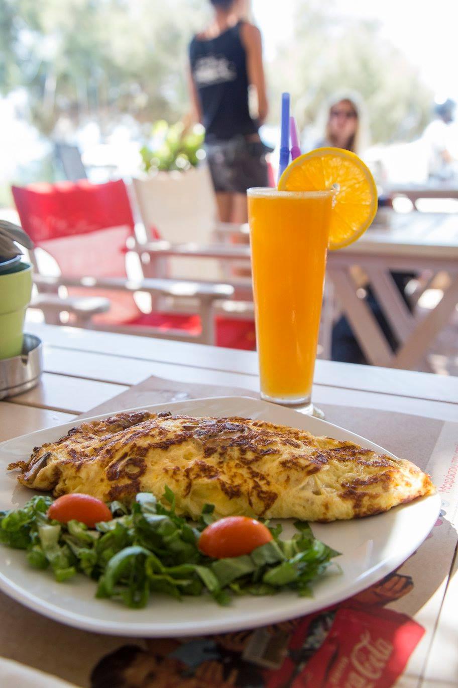 blue fin beach cafe 7